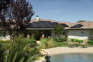 panneau solaire sur toiture villa